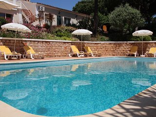 Perfect Villa with Private Outdoor Pool and A/C - Quinta do Lago vacation rentals