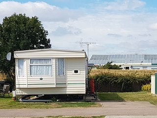 Poppy Caravan  - Superior Extra Wide Caravan - Clacton-on-Sea vacation rentals