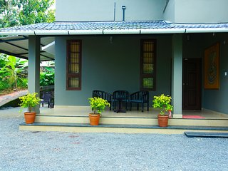 Beautiful Bed and Breakfast with Internet Access and Washing Machine - Kolagappara vacation rentals