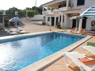 Bright 5 bedroom Villa in Loule with Internet Access - Loule vacation rentals
