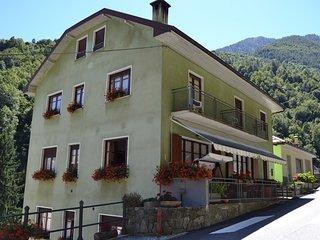 Appartamento Giezza - Casa Iacazzi  Appartamenti - Bognanco vacation rentals