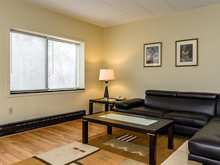 2 Bedrooms Apartments near Harvard Square Cambridg - Cambridge vacation rentals