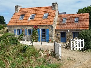 2 bedroom House with Central Heating in Plougrescant - Plougrescant vacation rentals