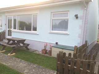 Gower Holiday Bungalow - Horton -  Dog Friendly - Port Eynon vacation rentals