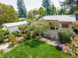 Private Cottage in Great Berkeley Location! - Berkeley vacation rentals