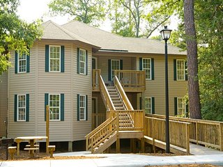 Barrier Island Station-Kitty Hawk in a 1 Bedroom - Kitty Hawk vacation rentals