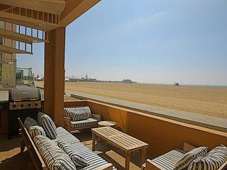 #273 Santa Monica Oceanfront 4 bedroom Beach House - Santa Monica vacation rentals