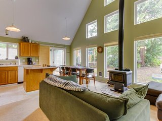Dog-friendly contemporary home just minutes from the beach and Nehalem Bay! - Nehalem vacation rentals