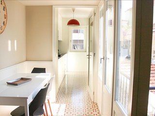 Cozy Condo with Internet Access and Television - Porto vacation rentals