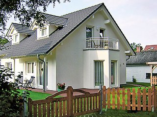 Comfortable 1 bedroom House in Ostseebad Prerow - Ostseebad Prerow vacation rentals