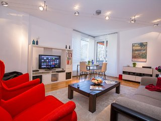 Bright 2 bedroom Condo in Lugano with Internet Access - Lugano vacation rentals