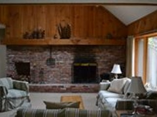 Cozy Townhouse with Internet Access and Satellite Or Cable TV - Intervale vacation rentals