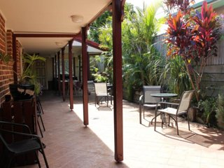 RUSKIN HOUSE – Deluxe Spa Room - Byron Bay vacation rentals