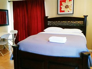 Hollywood Private Detached Guesthouse (Unit B). - Los Angeles vacation rentals