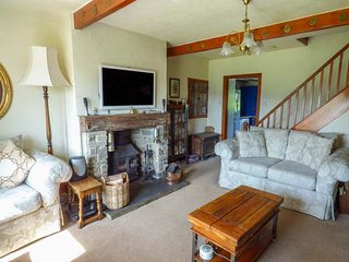 LEESHAW COTTAGE, multi-fuel stove, far-reaching countryside views, many walking - Oxenhope vacation rentals