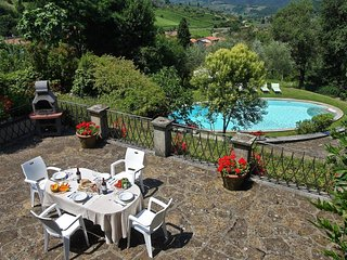 Lovely Condo with Shared Outdoor Pool and Television - Greve in Chianti vacation rentals
