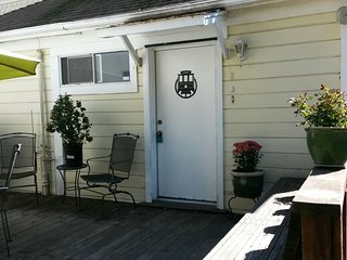 """Rosie the Riveter"" Apt w/fast WiFi Internet -  Sa - Vallejo vacation rentals"