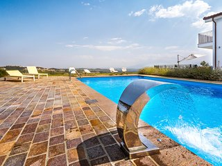 Casa del Colle, luxury 5 bed villa in Italy - Penne vacation rentals