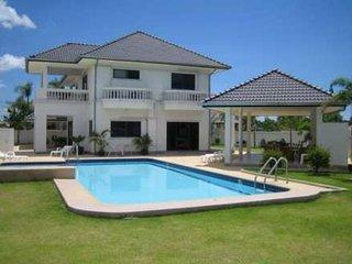 Sunset village Hua Hin–4 Bedroom Luxury Pool Villa - Hua Hin vacation rentals