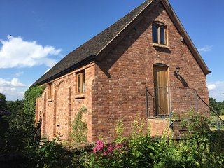 The Hayloft; fab child and pet friendly apartment - Droitwich vacation rentals