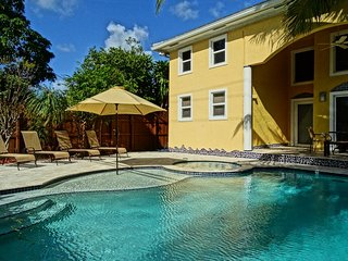 Family Luxury Villa - Hollywood vacation rentals