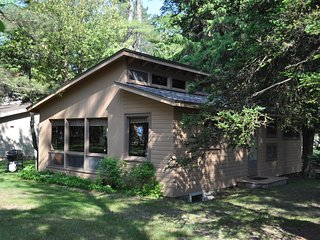 Big Glen Lake just outside your door! - Glen Arbor vacation rentals