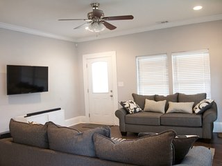 Spacious 4 bedroom House in Atlanta with Washing Machine - Atlanta vacation rentals