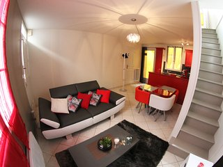 Cozy 2 bedroom Saint-Aignan Gite with Internet Access - Saint-Aignan vacation rentals