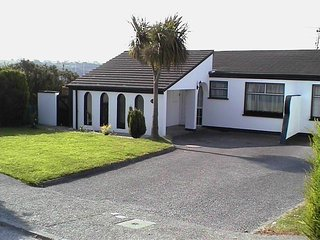 Kinsale Bungalow Great Views, 5mins walk to centre - Kinsale vacation rentals
