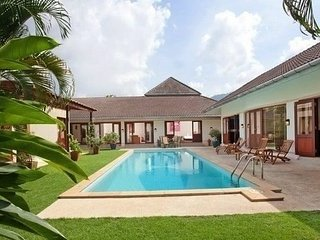 Tropical 4 Bedroom Red Mountain Villa Kathu - Kathu vacation rentals