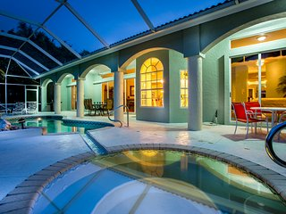 Villa Charlene - amazing views over Cat Cay Lake! - Cape Coral vacation rentals
