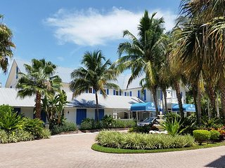 Olde Marco Inn #401 - 2 Bed Gem in Olde Marco - Marco Island vacation rentals