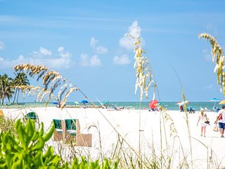 Seabury #208 - Private Condo Cottage a Short Walk to the Beach - Marco Island vacation rentals