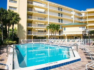 San Marco Residences #507 - 1 Bed Direct Beach Access - Marco Island vacation rentals