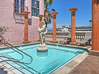 New Listing! Magnificent 3BR/3BA Playa Del Rey Condo w/Wifi, Gorgeous Views & Rooftop Access - Walk to the Beach & Main Attractions! - Marina del Rey vacation rentals