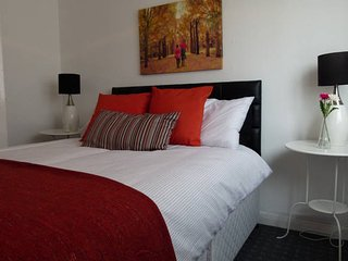 Glasgow Green 2-Bedroom Apartment - Glasgow vacation rentals