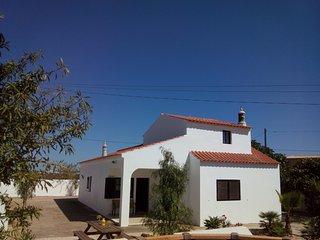Villa rental in Algarve near golf course and beach - Armação de Pêra vacation rentals