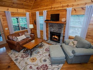 Shanty Creek - Newly redecorated! Better than ever! Perfect cabin for two with - Chatsworth vacation rentals