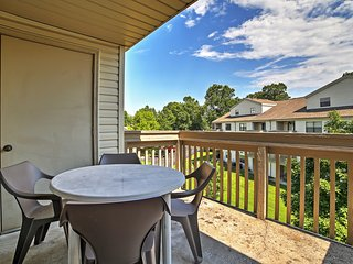 Reduced Fall & Winter Rates! 3BR Branson Condo - Close to Branson Strip w/Country Feeling *Right Off Golf Course* - Branson vacation rentals