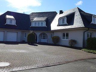 Weiße Traumvilla am See #4209 - Hage vacation rentals