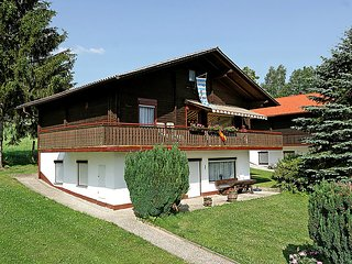 Sunny Cottage with Television and Balcony - Arrach vacation rentals