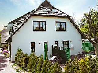 Nice 5 bedroom House in Gross Zicker - Gross Zicker vacation rentals