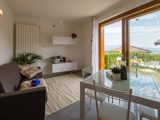 Sunny flat with superb views of Iseo Lake - Parzanica vacation rentals