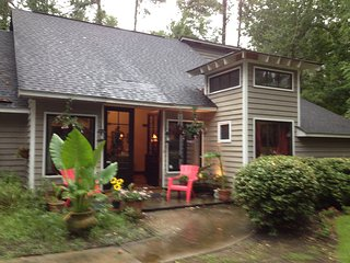 Comfortable House with Hot Tub and Boat Available - Mount Pleasant vacation rentals