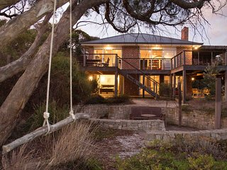 Lovely 4 bedroom House in Aireys Inlet with Television - Aireys Inlet vacation rentals
