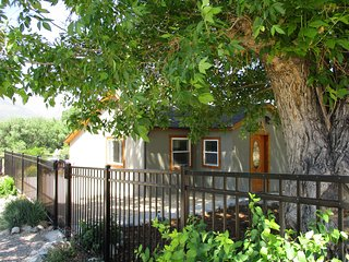 Nice House in Howard with Deck, sleeps 8 - Howard vacation rentals