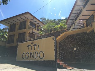 Spacious 2BR Condo, Pool, Monkeys, Manuel Antonio! - Manuel Antonio National Park vacation rentals