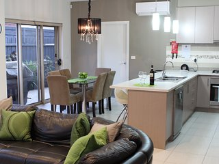 Stylish Modern, Comfortable and Pet Friendly - South Morang vacation rentals