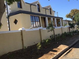 6 bedroom Private room with Housekeeping Included in Montagu - Montagu vacation rentals