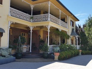 4 bedroom Bed and Breakfast with A/C in Mudgee - Mudgee vacation rentals